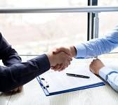 handdruk-over-ondertekend-contract